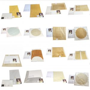Papier décoré avec des formes et des dessins traditionnels