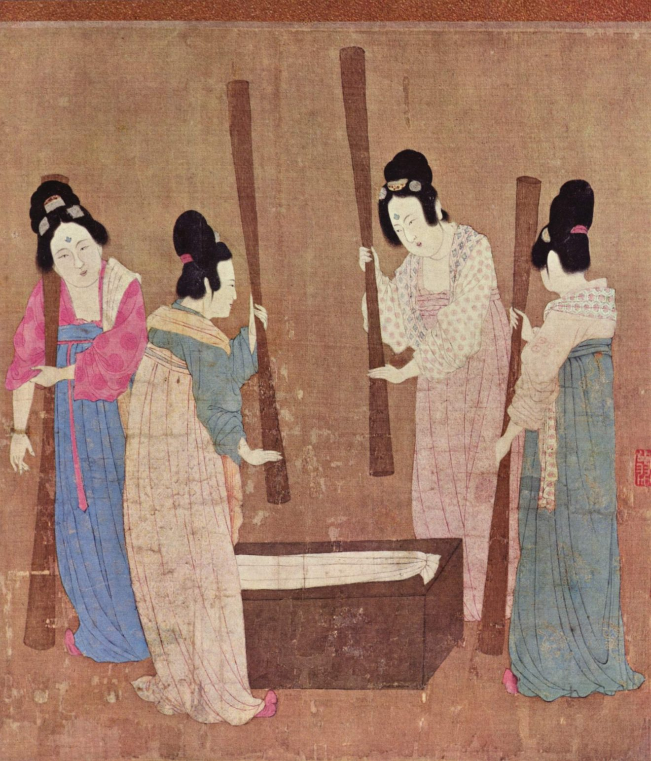 Court_ladies_pounding_silk_from_a_painting_(捣练图)_by_Emperor_Huizong